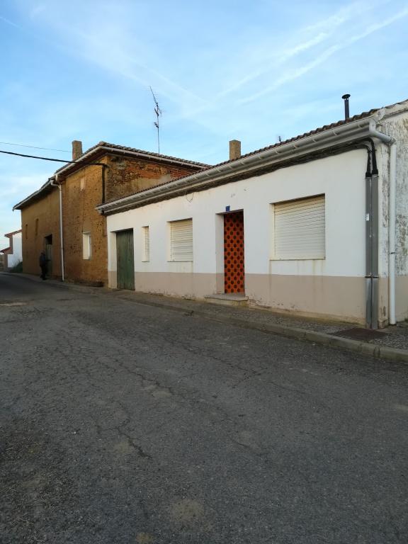 Casa-Chalet en Venta en Villavelasco De Valderadue
